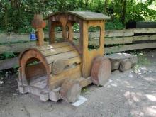 Lokomotive im Garten